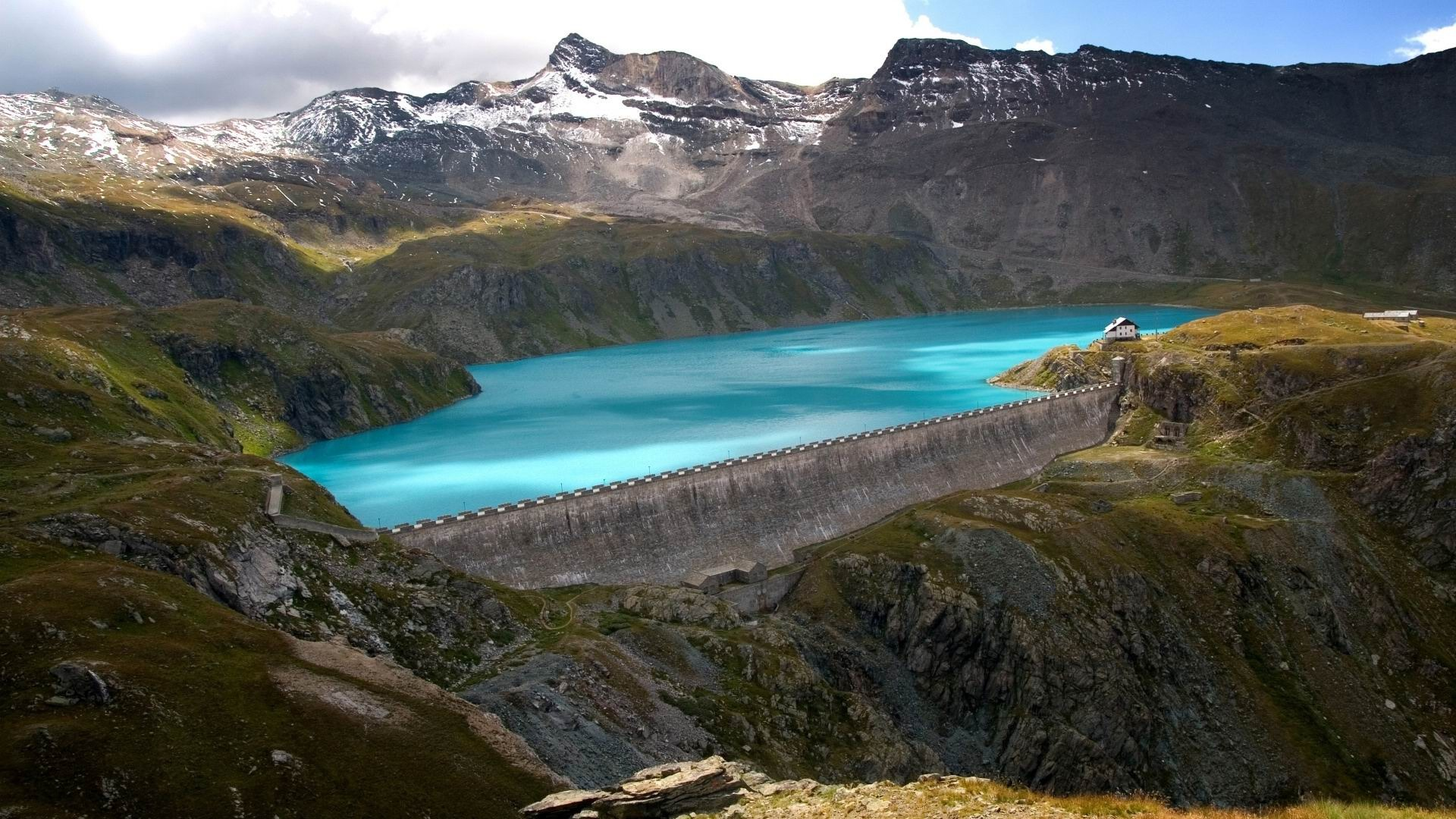A_spectacular_of_large_dams-2012_landscape_Featured_Wallpaper_1920x1080.jpg