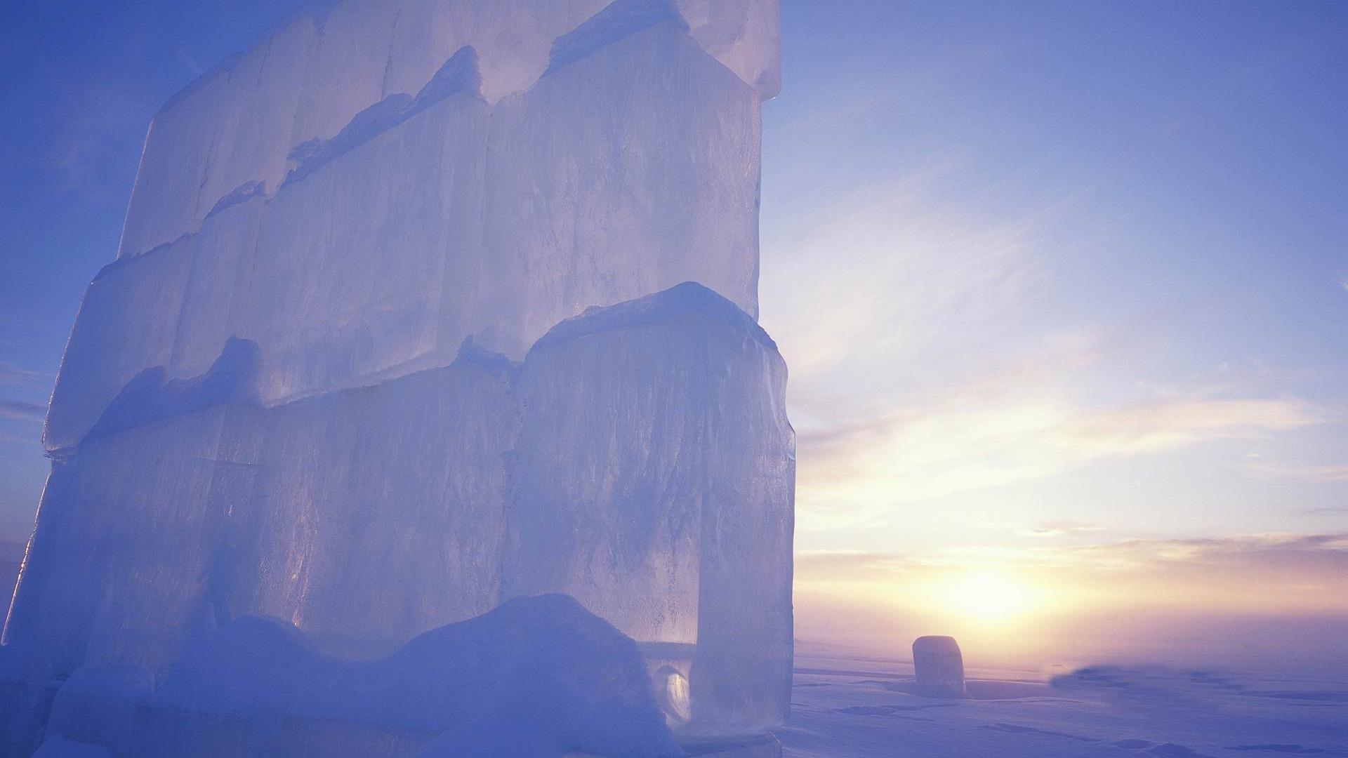 Ice_Castle-2012_landscape_Featured_Wallpaper_1920x1080.jpg