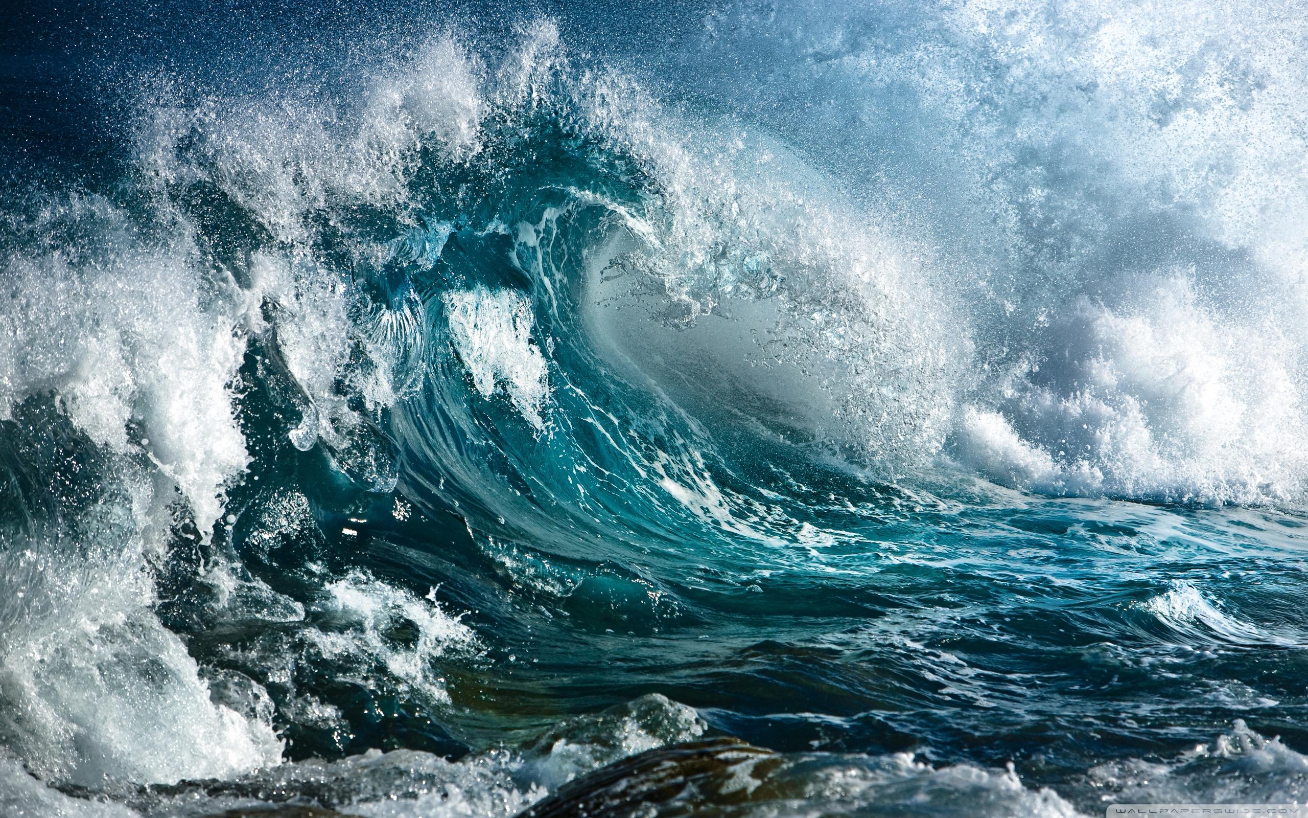 big_waves_at_sea-wallpaper-2560x1600.jpg