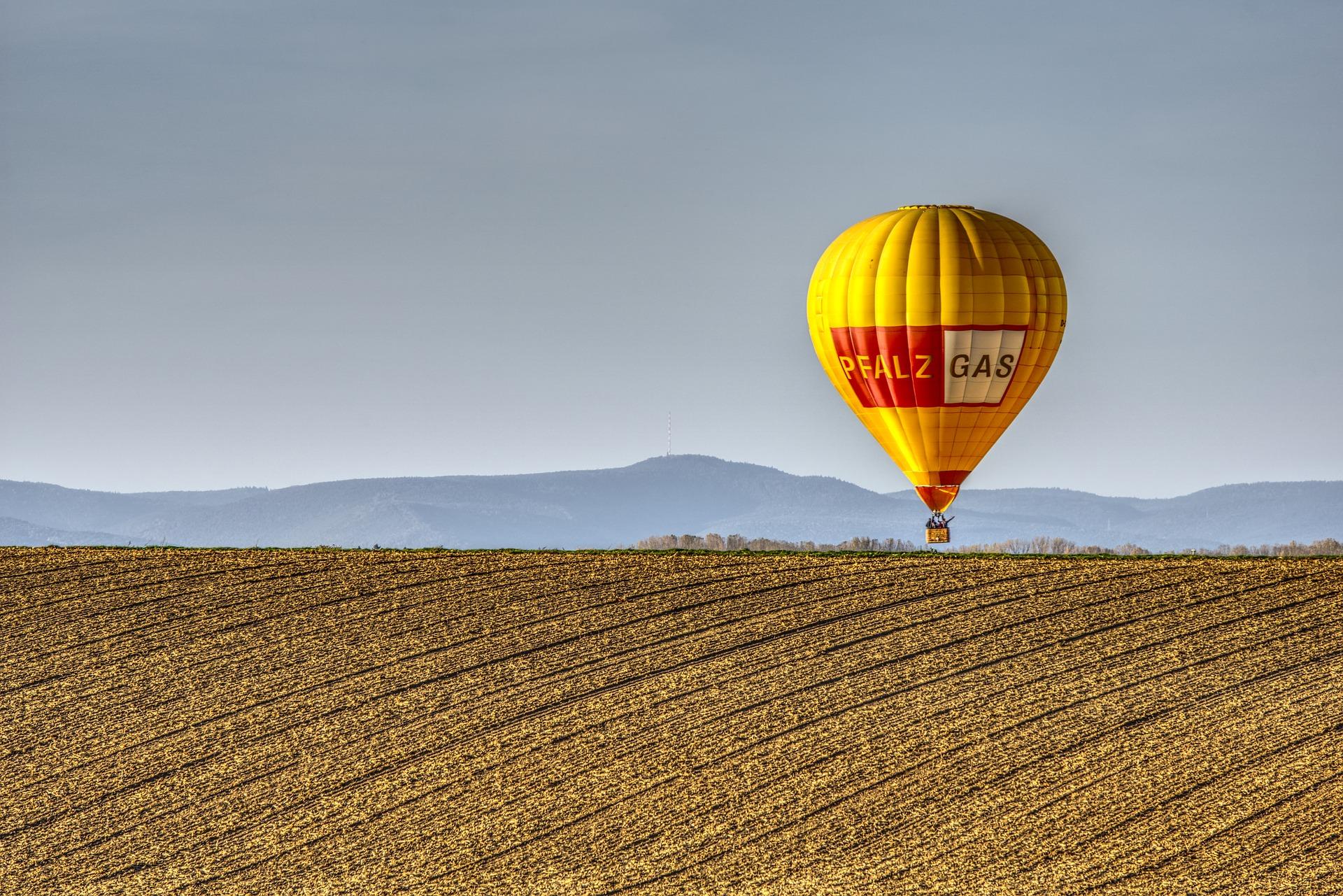 balloon-2921973_1920.jpg