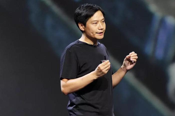 雷军:小米不靠硬件赚钱,苹果战略类似小米